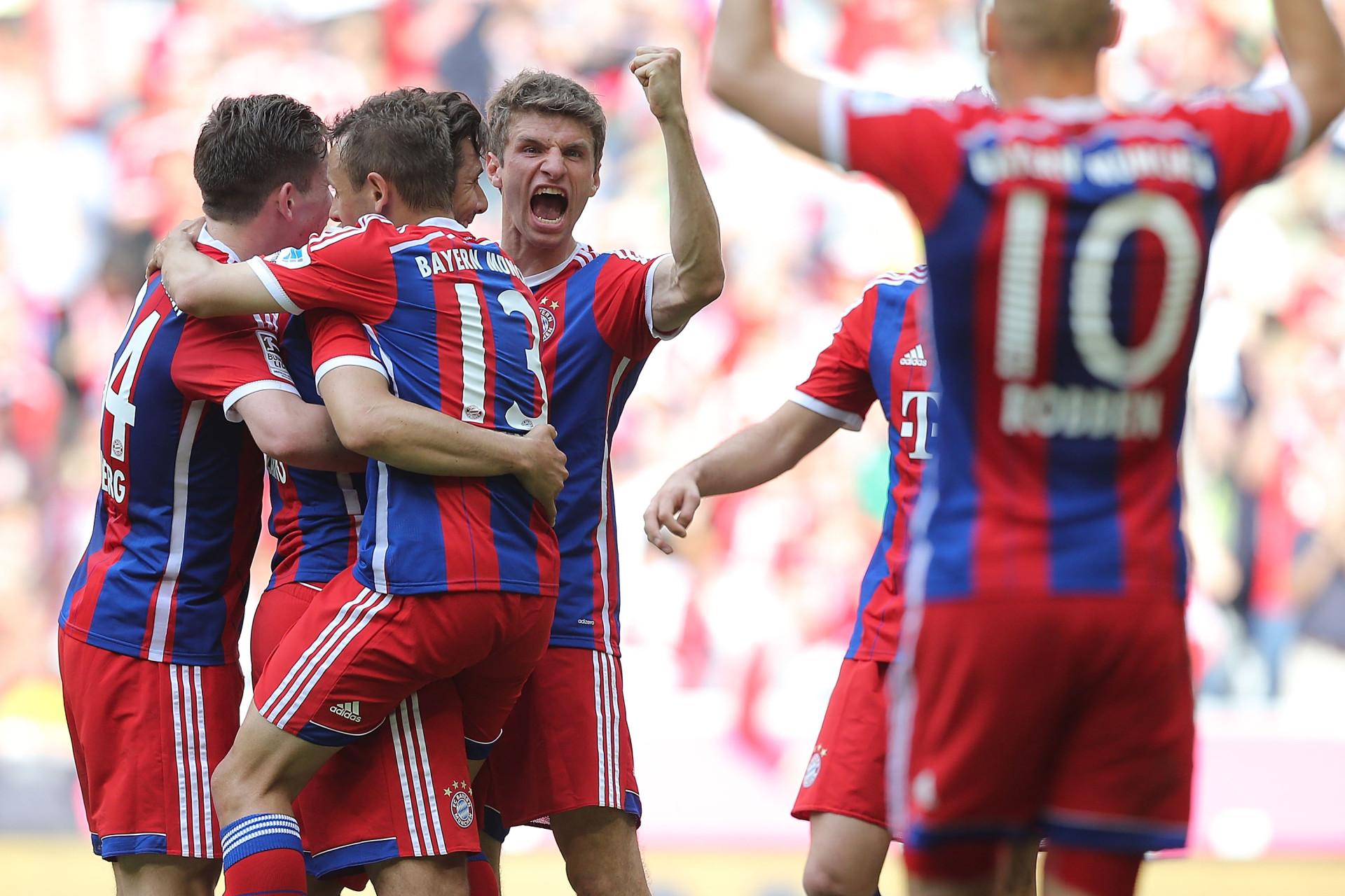 FC Bayern Muenchen v VfB Stuttgart - Bundesliga For DFL